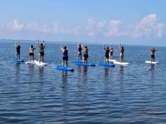 yoga kayak mountain pose