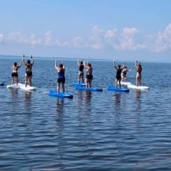 yoga kayak mountain pose