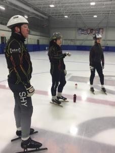 Patinage vitesse Do et 2 patineuses