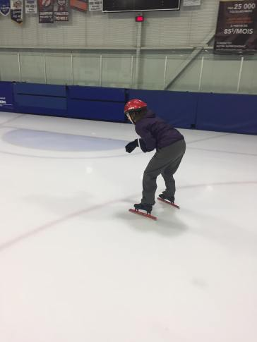 Patinage vitesse Valérie-Énergie dos de côté patine