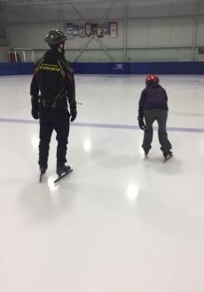 Patinage vitesse Valérie-Énergie et Olivier de dos position basse