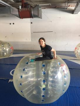 Valérie-Énergie sort soccer-bulle