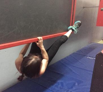 Valérie Énergie parkour mur paresseu american ninja warrior